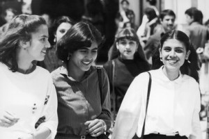 Studentesse afghane. Università Politecnica di Kabul. Anni 70