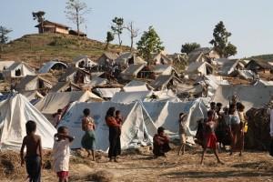 Rohingya in un campo di rifugiati