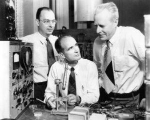 i-tre-fisici-elettronici-che-inventarono-il-transistor-una-rivoluzione-nel-campo-dellelettronica