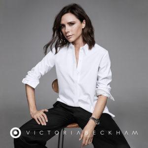 victoria-beckham-in-posa-per-il-suo-marchio