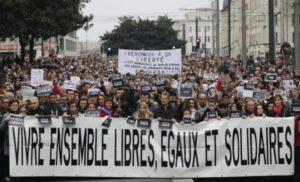 i-anniversario-degli-attacchi-di-parigi-del-13-novembre-2015