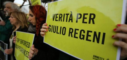 Foto Vincenzo Livieri - LaPresse  25-02-2016 - Roma - Italia  Cronaca Manifestazione per Giulio Regeni davanti l'Ambasciata di Egitto Photo Vincenzo Livieri - LaPresse  25-02-2016 - Rome -  Italy Demonstration in memory of Giulio Regeni at the Embassy of Egypt