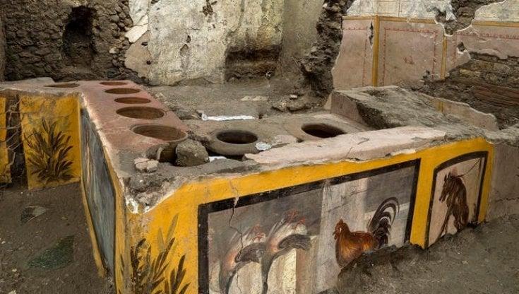Pompei ci restituisce un Termopolio integro